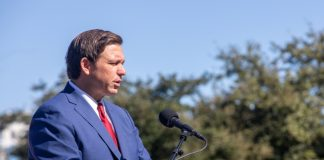 Ron DeSantis-Build