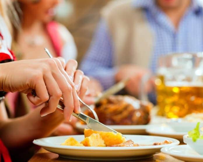 restaurant_canstockphoto5698784-1000x800-1.jpg