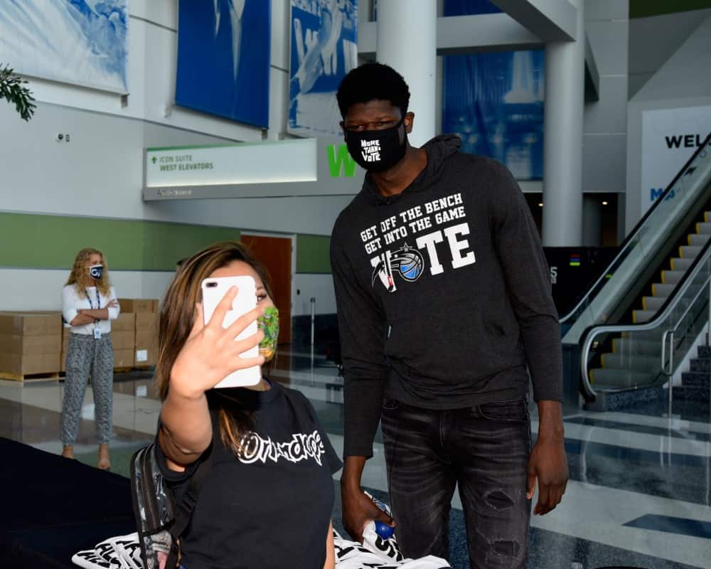 Mo Bamba With Voter Selfie-Photo Credit Gary Bassing, Orlando Magic 1000x800
