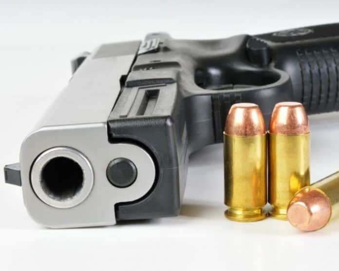 gun-and-ammo_canstockphoto5448778-1000x800-1.jpg
