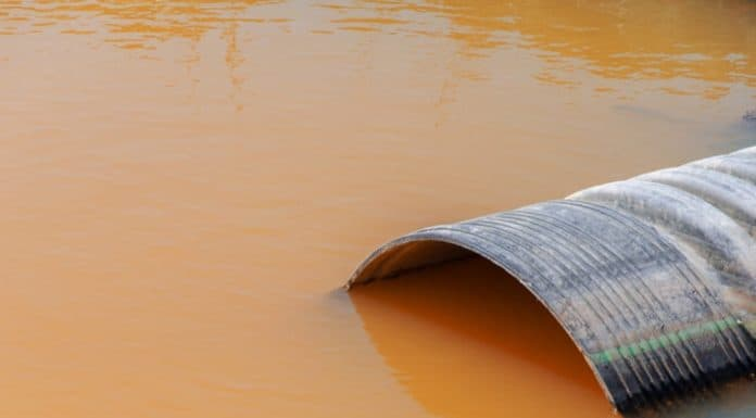 wastewater_canstockphoto14117553 1000x800
