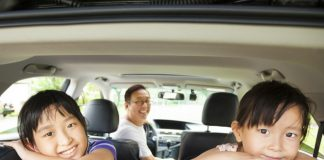 family_road trip_canstockphoto15567341 1000x800