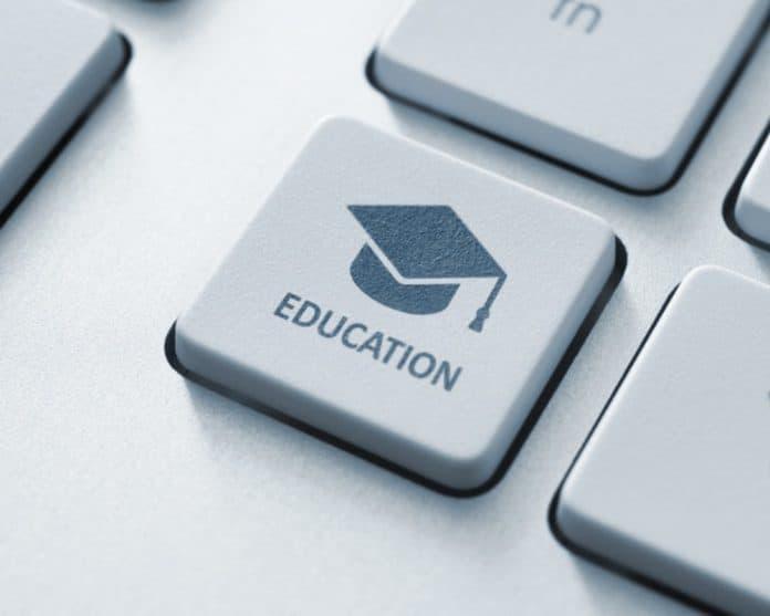 online school_canstockphoto15431770 1000x800