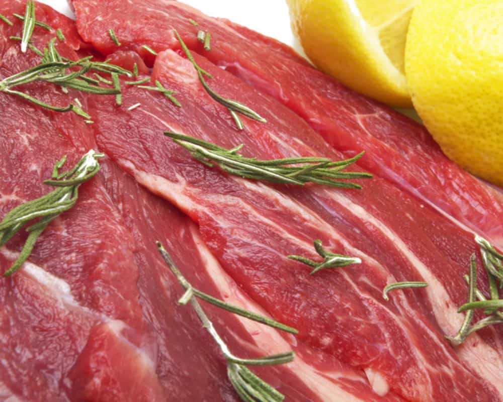 raw horse meat_canstockphoto8719997 1000x800