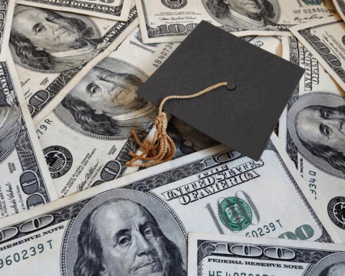 graduation cap_money_cash_studentdebt 1000x800