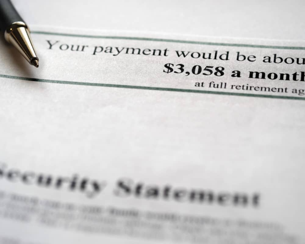 social security statement_canstockphoto89257240 1000x800